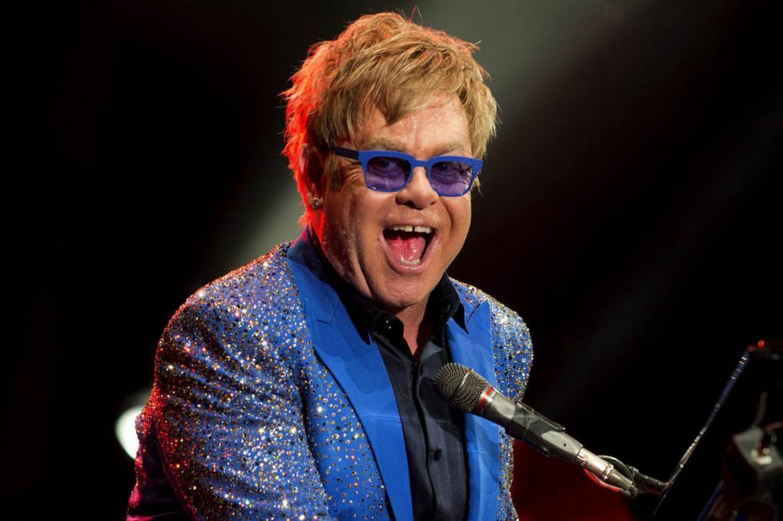 Elton John Step Into Christmas.Elton John Featuring Step Into Christmas Cherry Chocolate