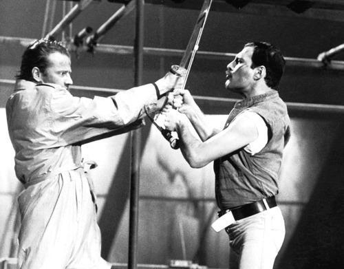 Freddie-Mercury-Highlander